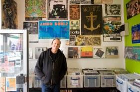 Portrait Günter Henn - Reportage über den Schallplattenladen Lucky Star Records mit seinem Besitzer Günter Henn in Frankfurt am 19.04.2012.